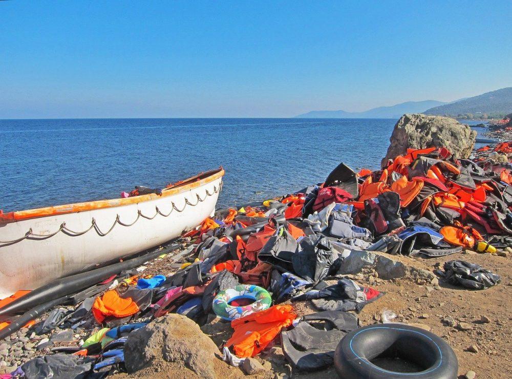 Bild von Jim Black auf Pixabay refugees